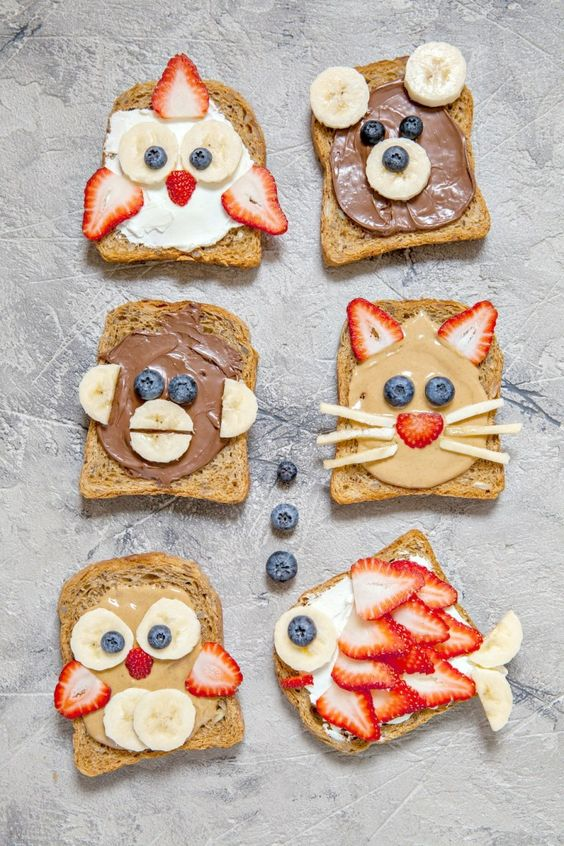 Pan tostado de caras de animales