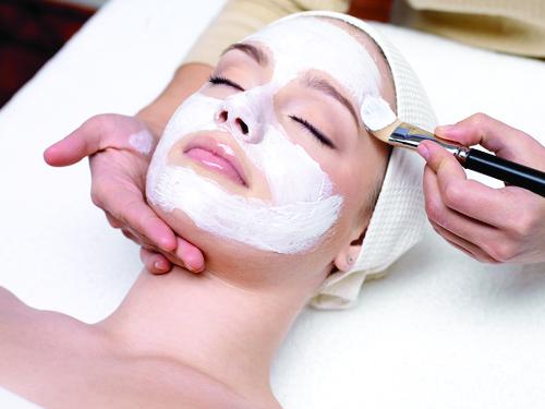Aplicación de una mascarilla facial