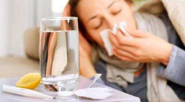 Chica con un resfriado