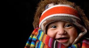 Niño abrigado para invierno